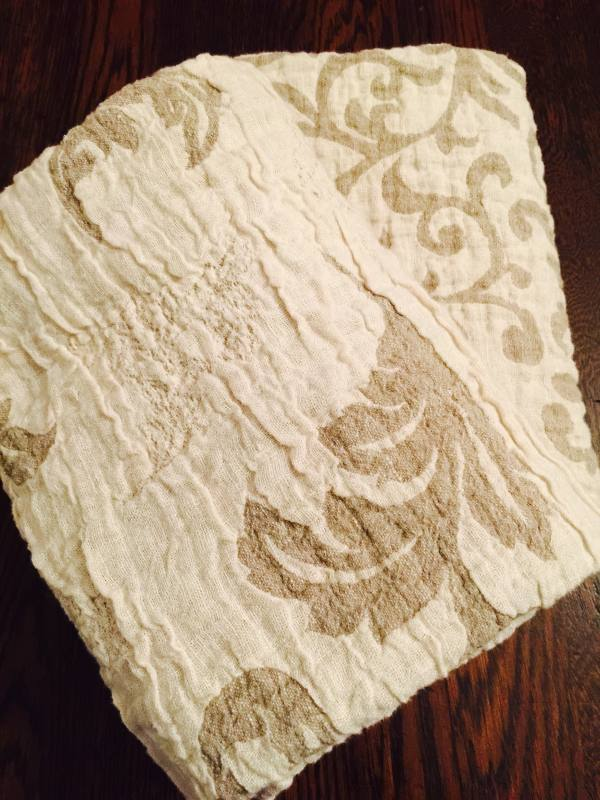 IL002 SCROLLS  IVORY-NATURAL  - 100% Linen