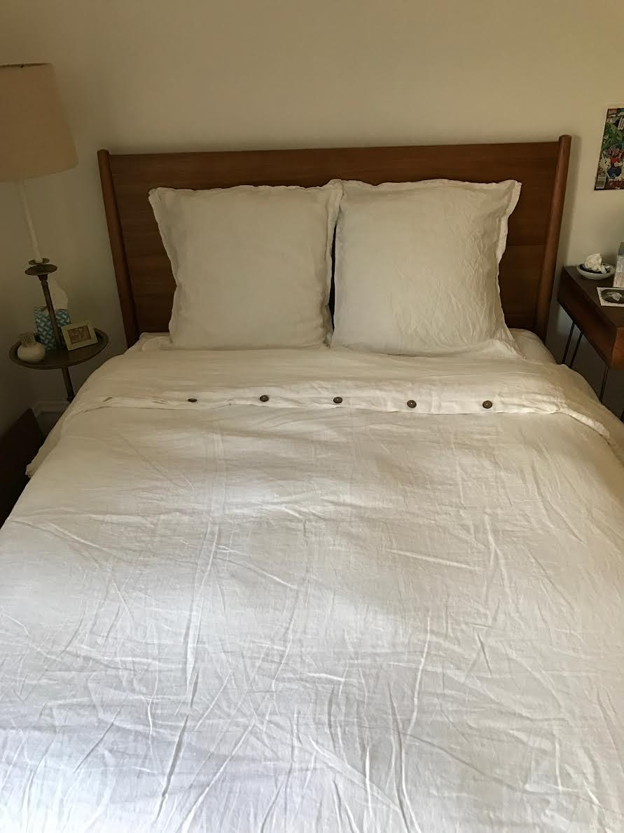 This is optic white 4C22 duvet and pillow shams!...
