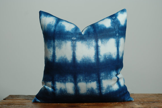 Lately I have been fascinated with indigo vat and how it reacts with linen creating amazing patt...