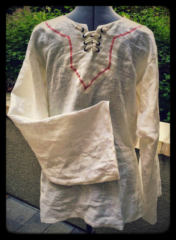 Tunic for Belegarth, With lacing grommets and fancy neckline stitching. In Bleached.
