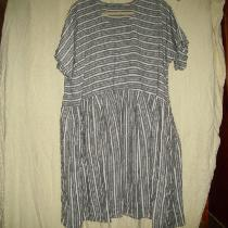 So comfy tunic/dress made with yarn dyed linen.  Usually wear with graphite 019 crop pants.  Lov...