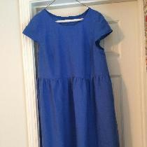 Easy fitting half cap sleeved summer dress. Made with my favorite medium weight linen in Marine....