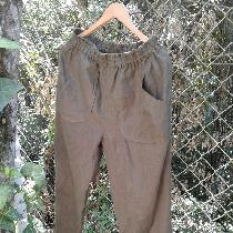 Trousers in pure olive linen....