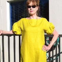 I just love this IL019 warm olive from fabrics-store. Easy dress with pockets for Florida heat, ...