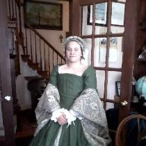 My daughter is part of reenactment for 1540`s era Scottish Court.  I used the middle weight vine...