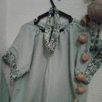 Summer blouse in frosty green and flowers in cotton....