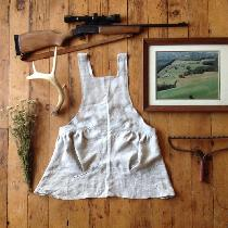 A simple harvesting apron in mixed natural ????...